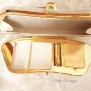 clutch-con-espejo-y-tocador-nacar-novia-boda-ceremonia
