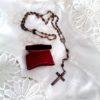 rosario-antiguo-de-semillas-con-funda-de-piel