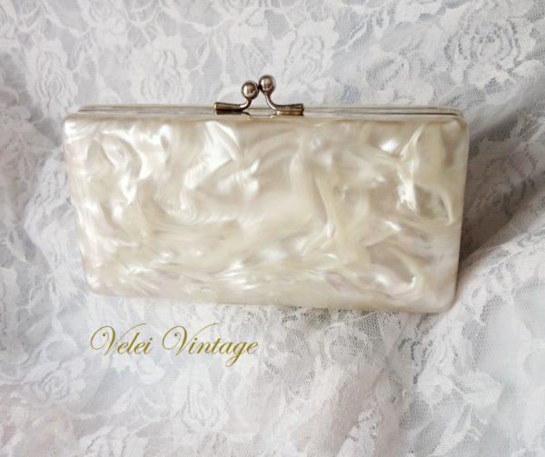 bolso-clutch-nacar-vintage-lucite-blanco-años-50