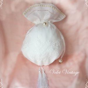 bolso-limosnera-novia-blanco-ceremonia-original-vintage-bordado-perla