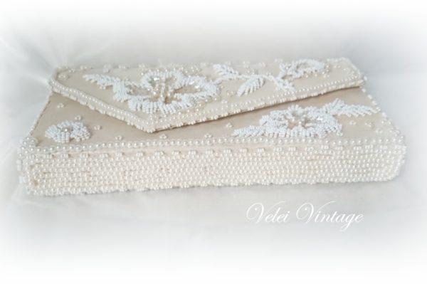 bolso-de-mano-perlas-fiesta-novia-bordado-mostacillas-perlas