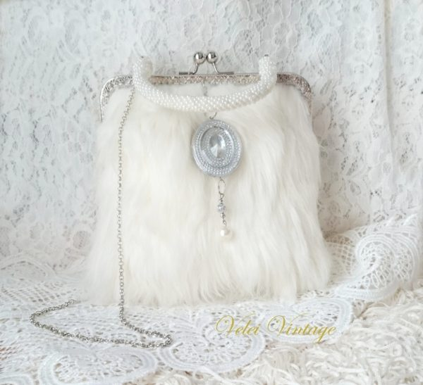 bolso-de-novia-invitadas-madrina-complemento-original-perlas-fiesta-boda-noche