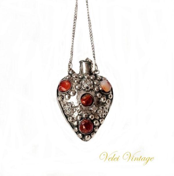 collar-de-epoca-con-incrustaciones-de-piedras