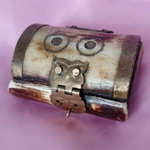 antigua-caja-de-hueso-joyero