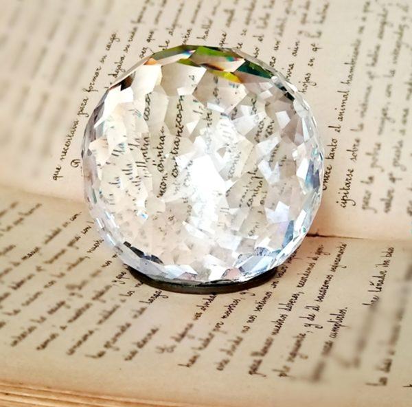 cristal-swarovski-pisapapeles-cristal-tallado