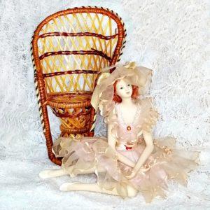 muñeca-regalo-biscuit-vintage-figura-pelo-natural-con-butaca